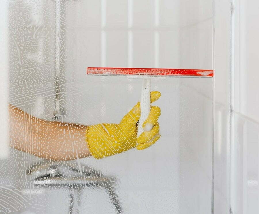 cleaning shower glass